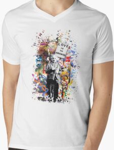 Albert Einstein Genius Banksy Inspiration Graffiti Street Art Mashup  Mens V-Neck T-Shirt