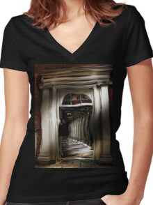 Fun House Women's Fitted V-Neck T-Shirt