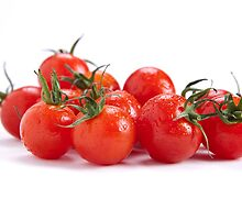 Tomatoes by sboulanger