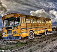 Old school-bus by maventalk