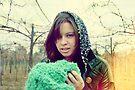 Día nublado, niña enojada by Constanza Caiceo