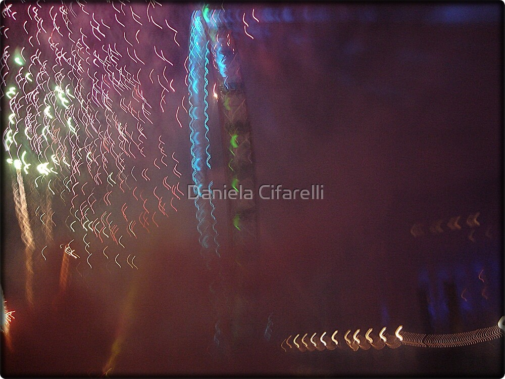 Amazing London - New year's Day Fireworks - 1st - 2011 - UK by Daniela Cifarelli