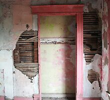 the pink room - residential findings by iannarinoimages