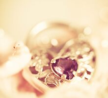 Locket by ╰⊰✿Sue✿⊱╮ Nueckel