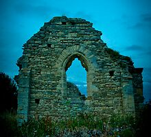 Ruins of St Peter's church at Stanton Low by David Isaacson