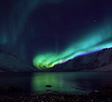 Aurora emerging from the sea by Frank Olsen