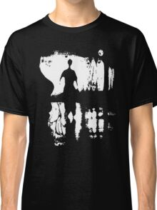 Look for omens... Classic T-Shirt