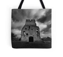 Donnington Castle Ruins Tote Bag