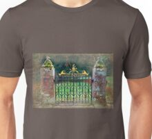Delgatie Castle Backyard Gate (near Turriff, in Aberdeenshire, Scotland) Unisex T-Shirt