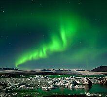 Aurora at Jökulsárlón. (Iceland.) by RonniHauks