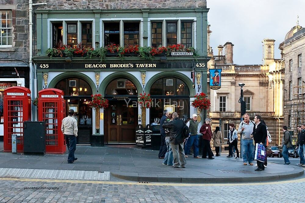 Deacon Brodie's Tavern (Edinburgh, Scotland) by Yannik Hay