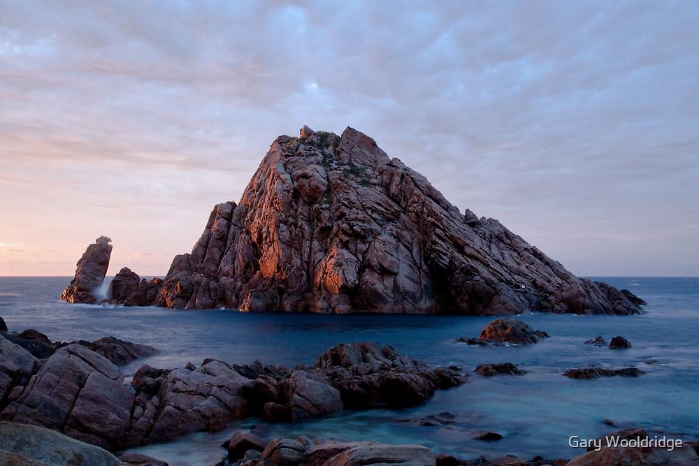 Sugarloaf Rock by Gary Wooldridge