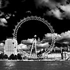 London eye B/W by larry flewers