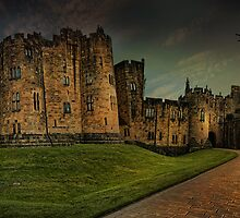 Alnwick Castle Panorama by eddiej