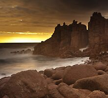 The Pinnacles - Phillip Island Victoria by Enzo Sgroi