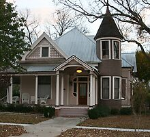 Pretty Home in Hillsboro, Texas by Susan Russell