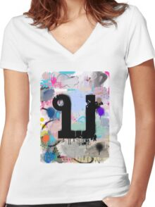 """Thai Characters """"บ"""" Women's Fitted V-Neck T-Shirt"""