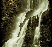 Nelson Falls 3 by Andrew Wilson
