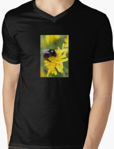 The red tailed bumble Mens V-Neck T-Shirt