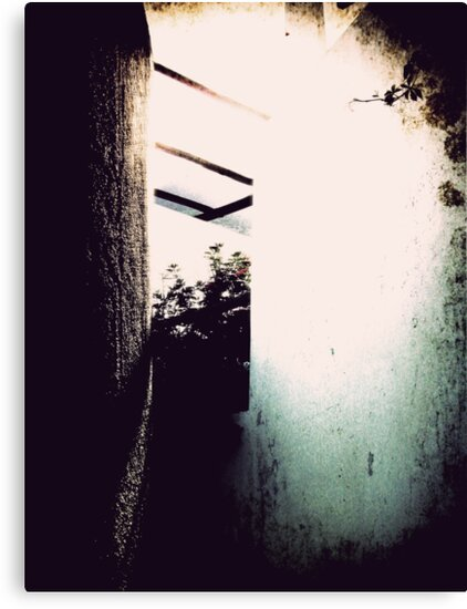 Iddu's alleyway 7 by FilleDeLEau