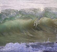Wave Break#1 by Noel Elliot