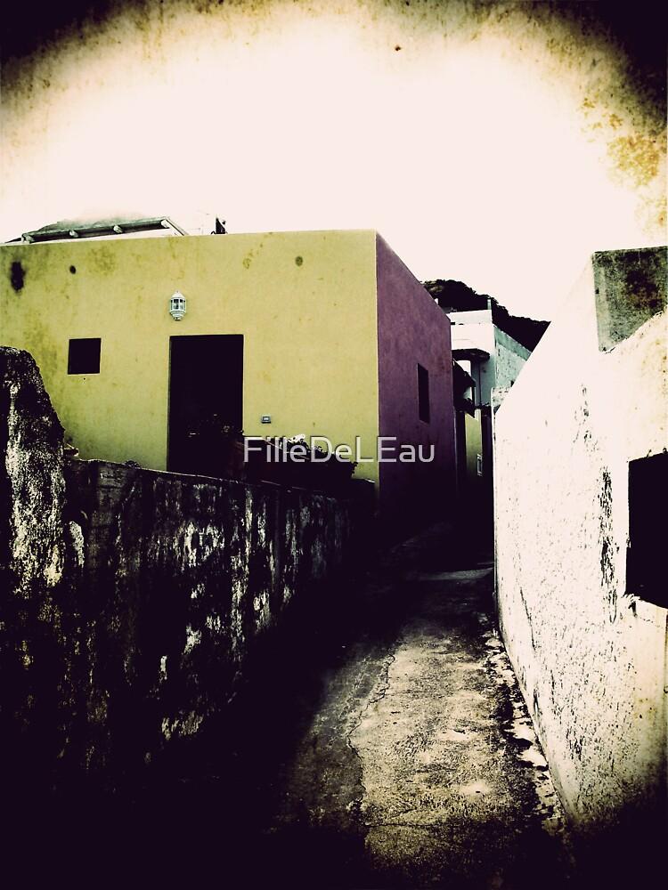 Iddu's alleyway 13 by FilleDeLEau