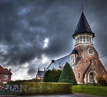 Amiens - small countryside chapel by Gavin Poh