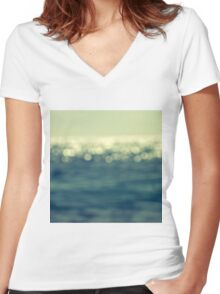 blurred light Women's Fitted V-Neck T-Shirt