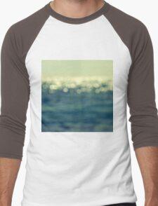 blurred light Men's Baseball ¾ T-Shirt