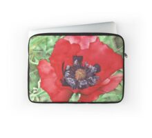 Red Poppy at Bodnant Gardens - Aquamarkers. Laptop Sleeve