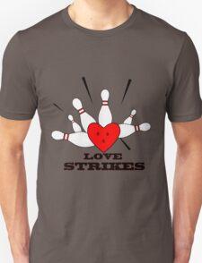 love strikes Unisex T-Shirt
