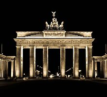 Brandenburg gate by a Couple of Photos