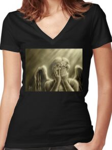 Peeping Angel Women's Fitted V-Neck T-Shirt