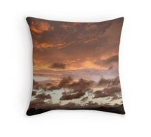 Red sky in the night... Sheppards delight Throw Pillow