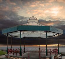 Bandstand, Tenby, Pembrokeshire by steve Lockwood