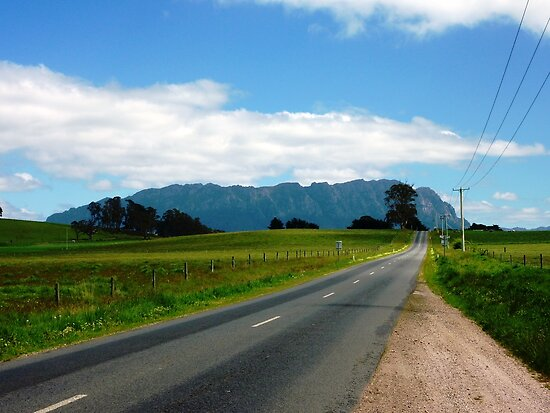 The Road to Mt Roland - Sheffield, Tasmania by RainbowWomanTas