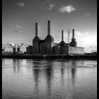 battersea power station by daveyt