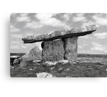 ancient poulnabrone dolmen tomb in black and white Canvas Print