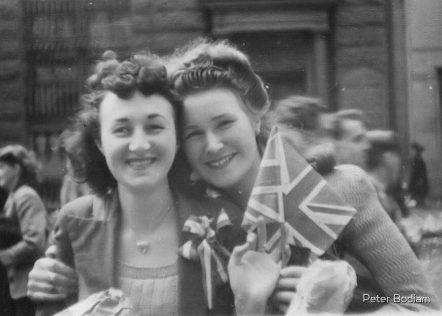 Sydney August 1945 by Peter Bodiam