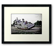 Abandoned boat - MOBASHER Framed Print