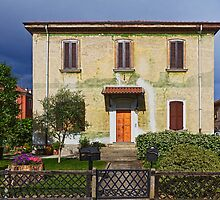 Old house in Crespi D'Adda by Roberto Pagani
