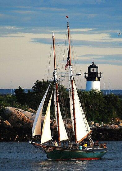 Thomas E. Lannon sails past Ten Pound Island Light by Steve Borichevsky