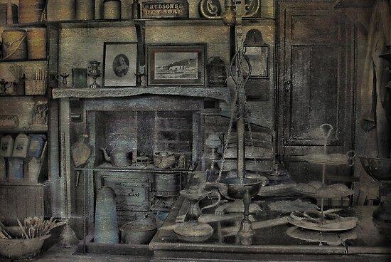 Victoriana by Catherine Hamilton-Veal  ©