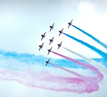 Red Arrows, Chatsworth  by hbowley