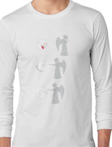 boo vs Weeping angel ! don't blink! Long Sleeve T-Shirt