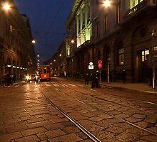 Per le vie di Milano di sera by Andrea Rapisarda
