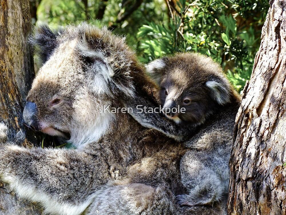 Holdin on to mum - Victoria by Karen Stackpole