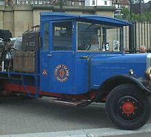 Old 1930s Lorry. by Woodie