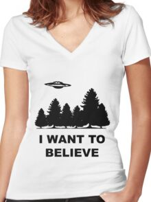 """""""I want to believe"""" X Files Women's Fitted V-Neck T-Shirt"""