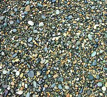 Riverton rubble - gravels on Riverton Beach, New Zealand by orkology